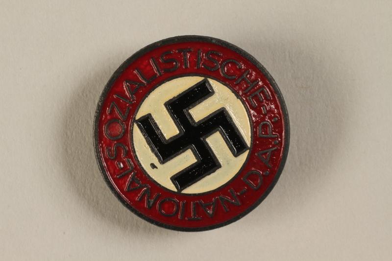 1994.124.2 front NSDAP membership badge