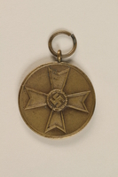1994.124.23 front German civilian war service medallion  Click to enlarge