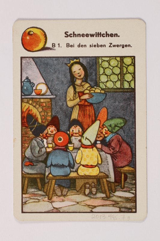 2013.495.7 g front Marchen Quartett deck of fairy tale cards with box brought with a German Jewish refugee
