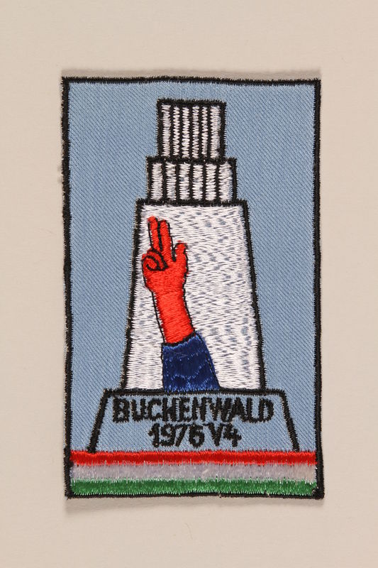 1995.128.262 front Commemorative badge from Buchenwald