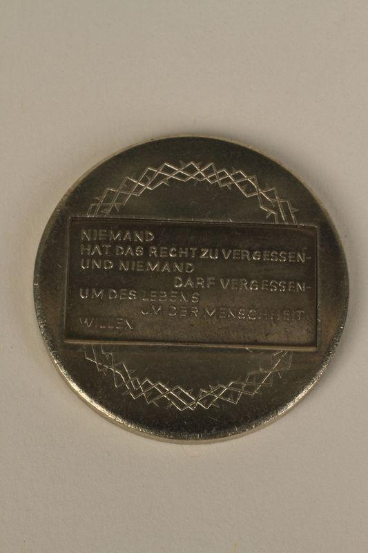1995.128.4_a back Medal