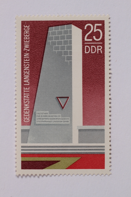 1995.128.57 front Postage stamp