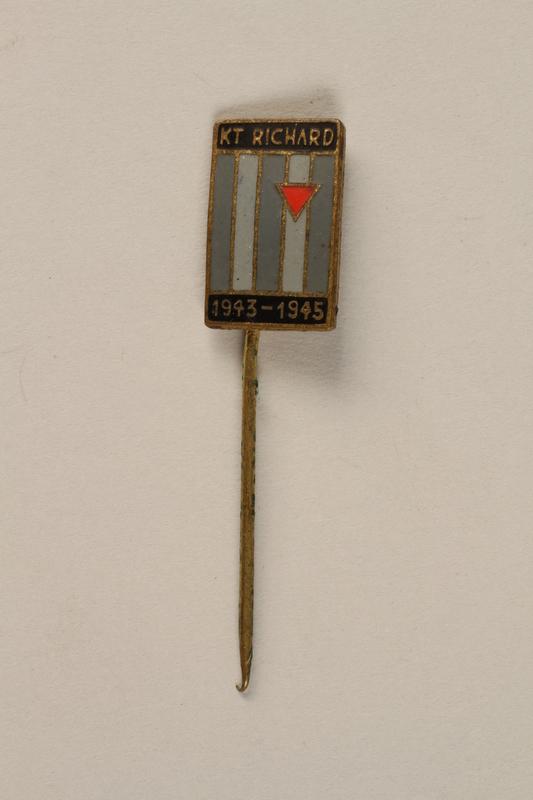1995.128.9.17 front Stickpin