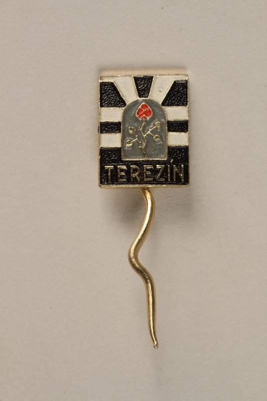 1995.128.9.19 front Stickpin