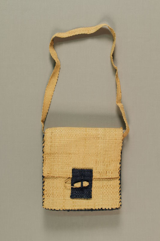 1989.273.2 front Handmade raffia bags made by a Jewish refugee woman