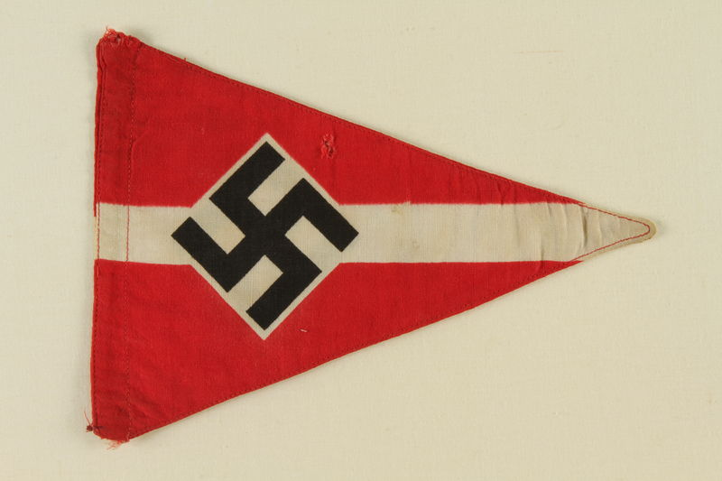 1995.62.3 front Nazi pennant