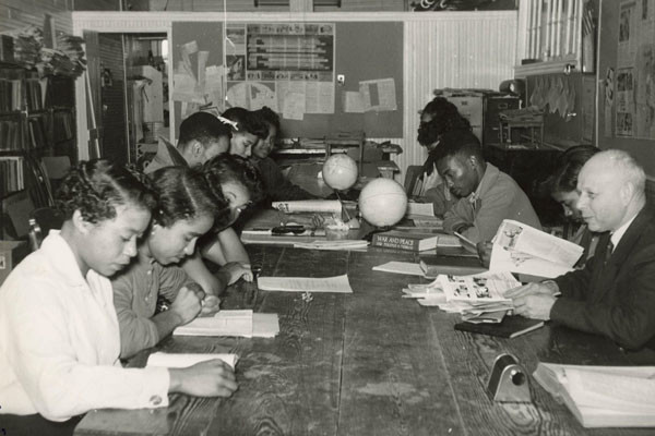 Professor Ernst Borinski teaches in the Social Science Lab at Tougaloo College in Mississippi in 1960. <i>Ernst Borinski Collection, Tougaloo College Civil Rights Collection, Mississippi Department of Archives and History</i>