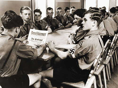 Political News  or Comments - Page 2 Hitler-youth-meeting