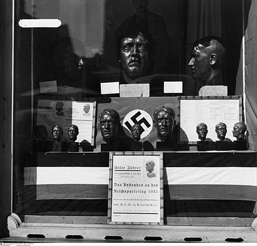 Hitler And The Nazi Cult Of Celebrity PDF - AM Books